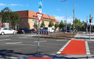 Die Garmischer Straße am Luise-Kiselbach-Platz